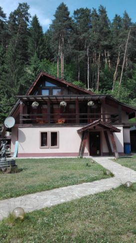 Vacation Home CASA VIP | accommodation Campulung Moldovenesc