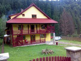 Pension Crudu (Fosta Paulo)   accommodation Durau