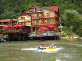 Pension Steaua Dunarii | accommodation Eselnita