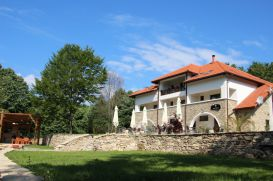 Pension Cetatuia | accommodation Magura