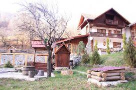 Pension Casa Vanatorului   accommodation Pestisani