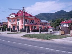 Pension Flora | accommodation Piatra Neamt
