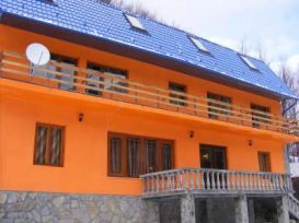 Pension Izvorul Aninului | accommodation Siriu