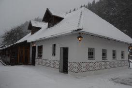 Resort Gospodaria Lui Nea Ion | accommodation Vama Buzaului